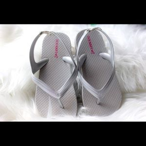 Old navy sandals size 11